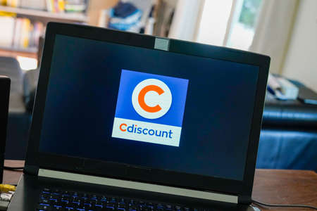 Photo pour Bordeaux , Aquitaine / France - 03 30 2020 : Cdiscount logo sign on laptop computer screen high-tech leisure fashion and food open marketplace - image libre de droit