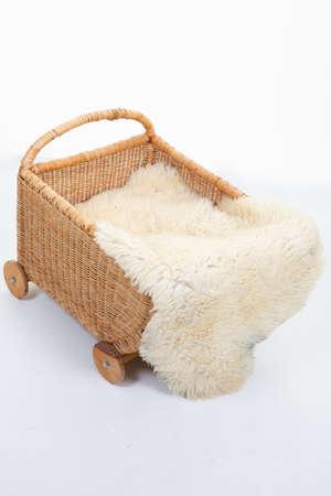 Photo pour wicker bassinet bassinet with hair cover - image libre de droit