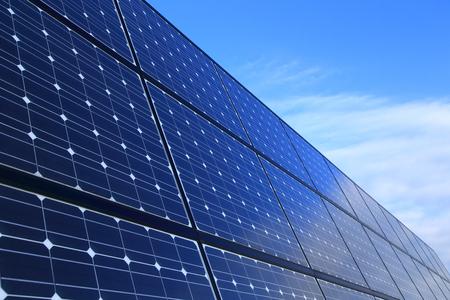 Photo pour Solar panels against blue sky - image libre de droit