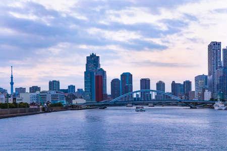 Foto für The scenery of Tokyo in the evening seen from the ship - Lizenzfreies Bild