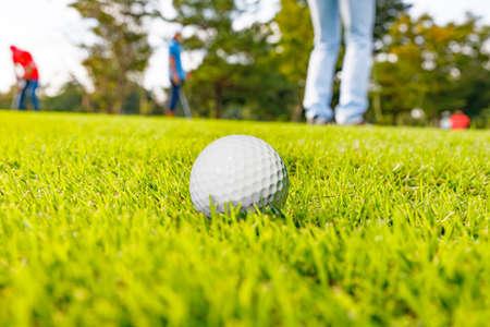 Foto de Fresh Green Golf Course - Imagen libre de derechos