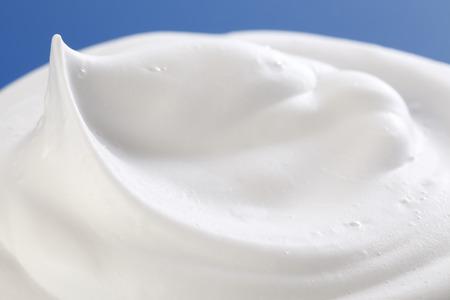 Photo pour Shaving cream on Blue - image libre de droit