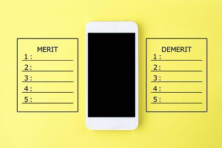 Photo pour Advantages and disadvantages of smartphone - image libre de droit
