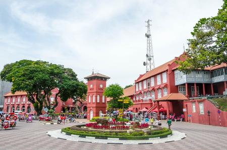 Foto de MALACCA, MALAYSIA - JUNE 09, 2015: Dutch Square in the historic center of Malacca. - Imagen libre de derechos