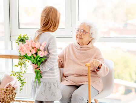 Photo pour Bouquet for aged woman - image libre de droit