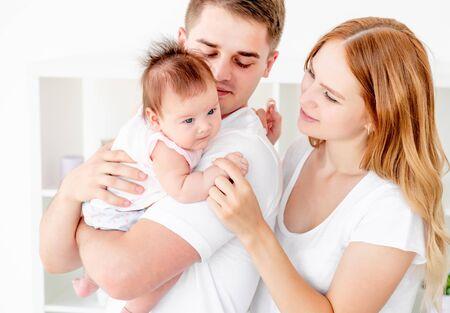 Photo pour Family at home for bonding time - image libre de droit