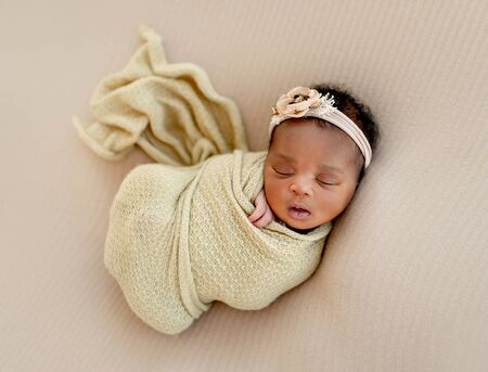 Photo pour Baby girl sleeping calm - image libre de droit