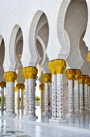 Sheikh Zayed Mosque in Abu Dhabi, United Arab Emirates - detail of columns