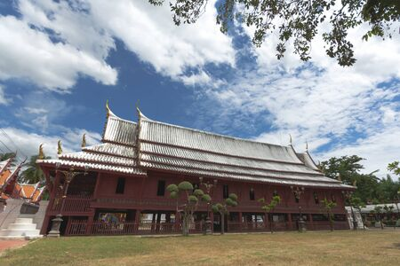 Photo pour Beautiful Sermon hall in a monastery At Wat Yai-Suwannaram. This place is an important old temple in Phetcharburi province in Thailand. This temple is the royal temple of the Chakri dynasty of Thailand. - image libre de droit