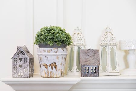 Photo pour House hold decoration in rustic style, vase and candle holders - image libre de droit