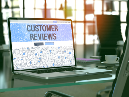 Photo pour Customer Reviews Concept - Closeup on Landing Page of Laptop Screen in Modern Office Workplace. Toned Image with Selective Focus. 3D Render. - image libre de droit
