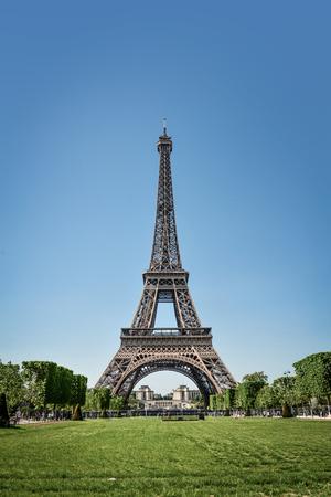 Photo pour Eiffel Tower and Champ de Mars in Paris, France at sunny day - image libre de droit