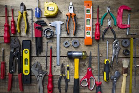 Photo pour Old tools on a wooden table - image libre de droit