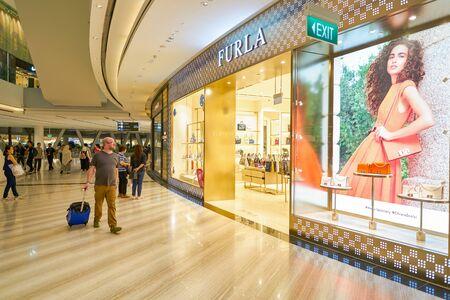 Photo pour SINGAPORE - CIRCA APRIL, 2019: entrance to Furla store in Jewel Changi Airport. - image libre de droit