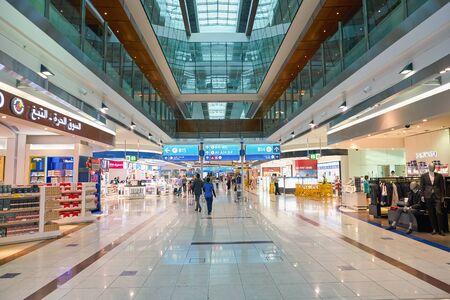 Photo pour DUBAI, UAE - CIRCA JANUARY, 2019: interior shot of Dubai International Airport. - image libre de droit