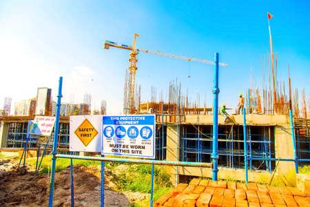 Photo pour Delhi, India - October 2018 : clear view of a new constructing buildings in delhi - image libre de droit