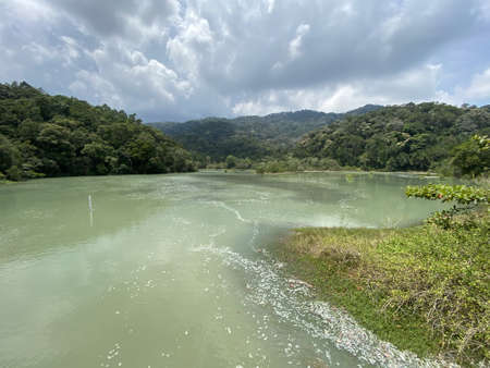 Photo pour View of a meromictic lake at Penang, Malaysia. These are lakes A meromictic lake which has layers of water that do not intermix - image libre de droit