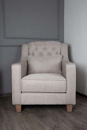 Photo pour Gray sofa in the living room - image libre de droit