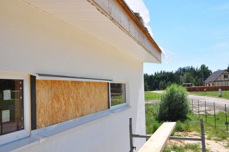 Photo pour Renovation house wall and window insulation with plastering, painting walls. - image libre de droit