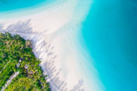 Photo pour Aerial view of idyllic tranquil sea island deep blue turquoise water, Nature landscape - image libre de droit