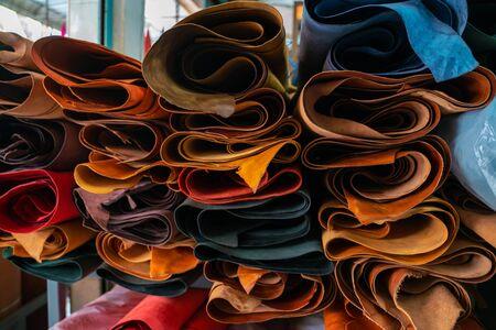 Photo pour Genuine leather crafts working shop craftmanship store - image libre de droit