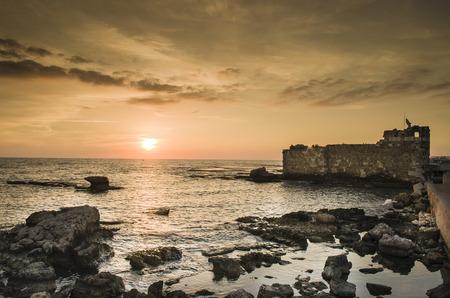 Foto de Sunset in Byblos - Lebanon, byblos fortress, photo of tourist spot in the country. - Imagen libre de derechos