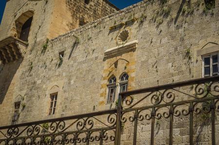 Foto de The Deir the Qamar Synagogue, in Deir the Qamar, a village in south-central Lebanon, is the oldest synagogue in Mount Lebanon. - Imagen libre de derechos