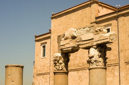 Foto de Roman ruins in the center of the city of Beirut in Lebanon - Imagen libre de derechos