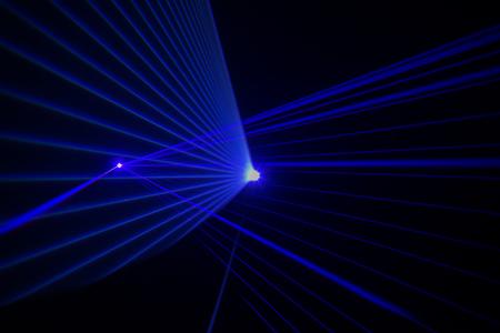 Photo pour Colorful Laser effect over a plain black background - image libre de droit