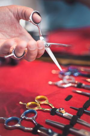 Foto de Vintage barber scissors - Imagen libre de derechos