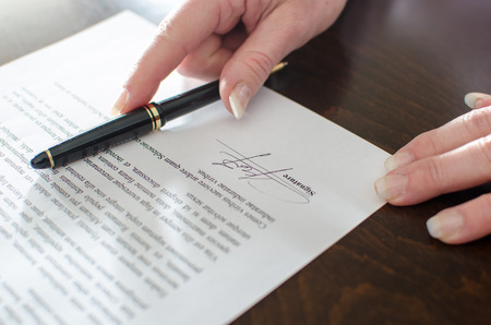 Photo pour Contract signed, closeup - image libre de droit