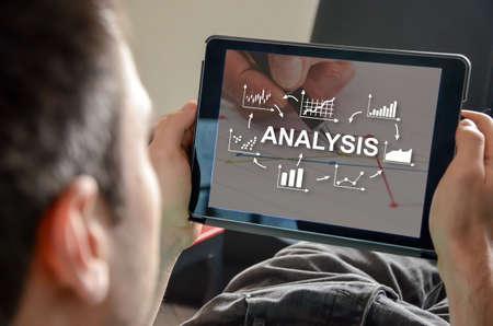 Photo pour Business analysis concept on a tablet - image libre de droit