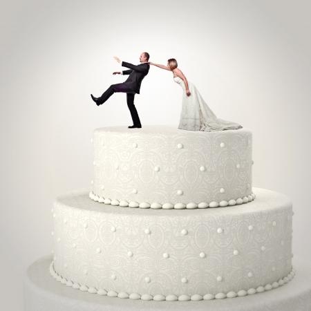 Foto de 3d wedding cake and funny couple situation - Imagen libre de derechos