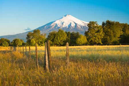 Foto per Villarrica Volcano  in the Araucania Region at southern  Chile, South America - Immagine Royalty Free