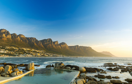 Photo pour Twelve Apostles in South Africa at Sunset  - image libre de droit