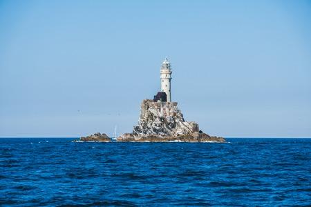 Photo pour Fastnet lighthouse. A view from the boat - image libre de droit