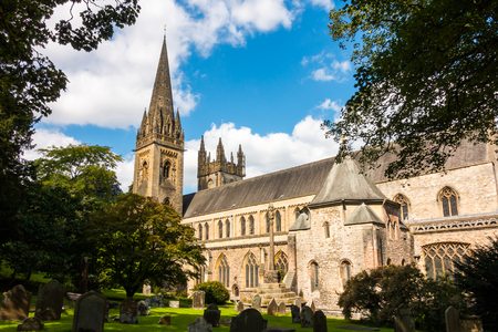 Photo pour LLandaff Cathedral, Cardiff, South Wales. Spire and South Wall. - image libre de droit