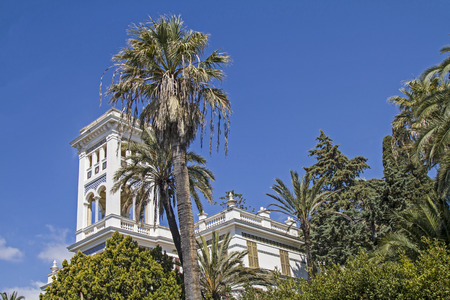 Hotel palaces and chic villas surrounded by charming parks shape the streetscape of the posh Bordighera