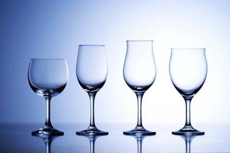 Photo pour Wine glasses - image libre de droit