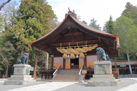 Historical Suwa Taisha shrine in Suwa city Nagano Japan. Suwa Taisha shrine  is one of the oldest shrine built in 7th century.- 写真素材,ストックフォトの定額制ペイレスイメージズ
