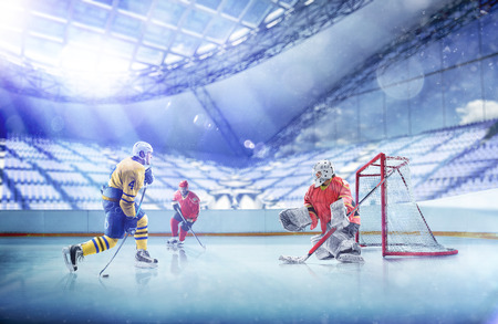 Photo pour Professional hockey players in action on grand arena - image libre de droit
