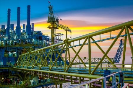 Photo pour Offshore platform in south of Thailand - image libre de droit