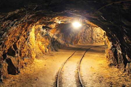 Foto de Underground mine tunnel, mining industry - Imagen libre de derechos