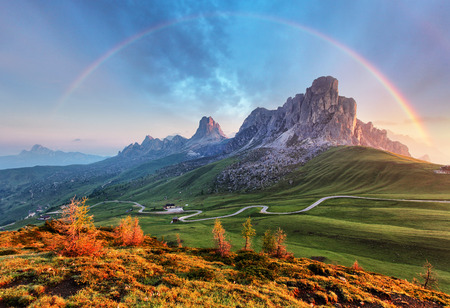 Foto de Landscape nature mountan in Alps with rainbow - Imagen libre de derechos