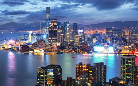 Foto für Hong Kong skyline at night from Braemar Hill Peak - Kowloon side - Lizenzfreies Bild