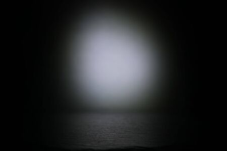 Photo pour Abstract dark concentrate floor scene with spotlight and display - image libre de droit