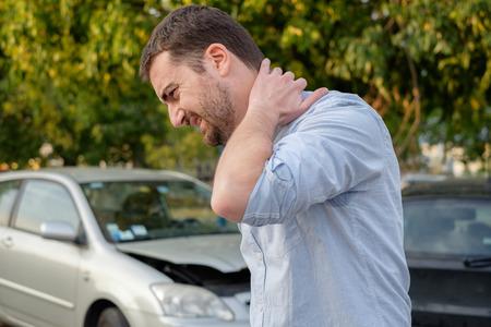 Photo pour Man feeling bad after a car accident injury - image libre de droit