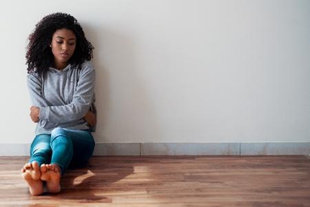 Photo pour Portrait of troubled black girl with negative feelings - image libre de droit