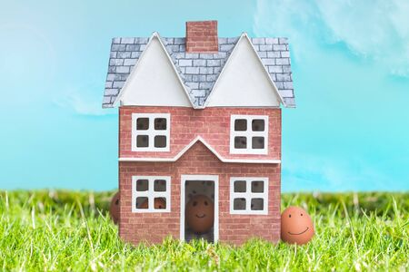 Foto de Easter egg hunt concept of family life celebrating an easter occasion at home - Imagen libre de derechos