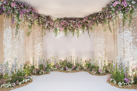 Photo pour wedding backdrop with flower and wedding decoration - image libre de droit